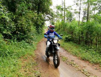 Akbar Taufan Masuk Jalur Adventure Bareng Konsumen WR 155 R di Jepara